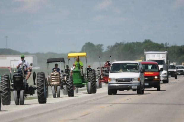 tractors roll on mason city north iowa. Black Bedroom Furniture Sets. Home Design Ideas