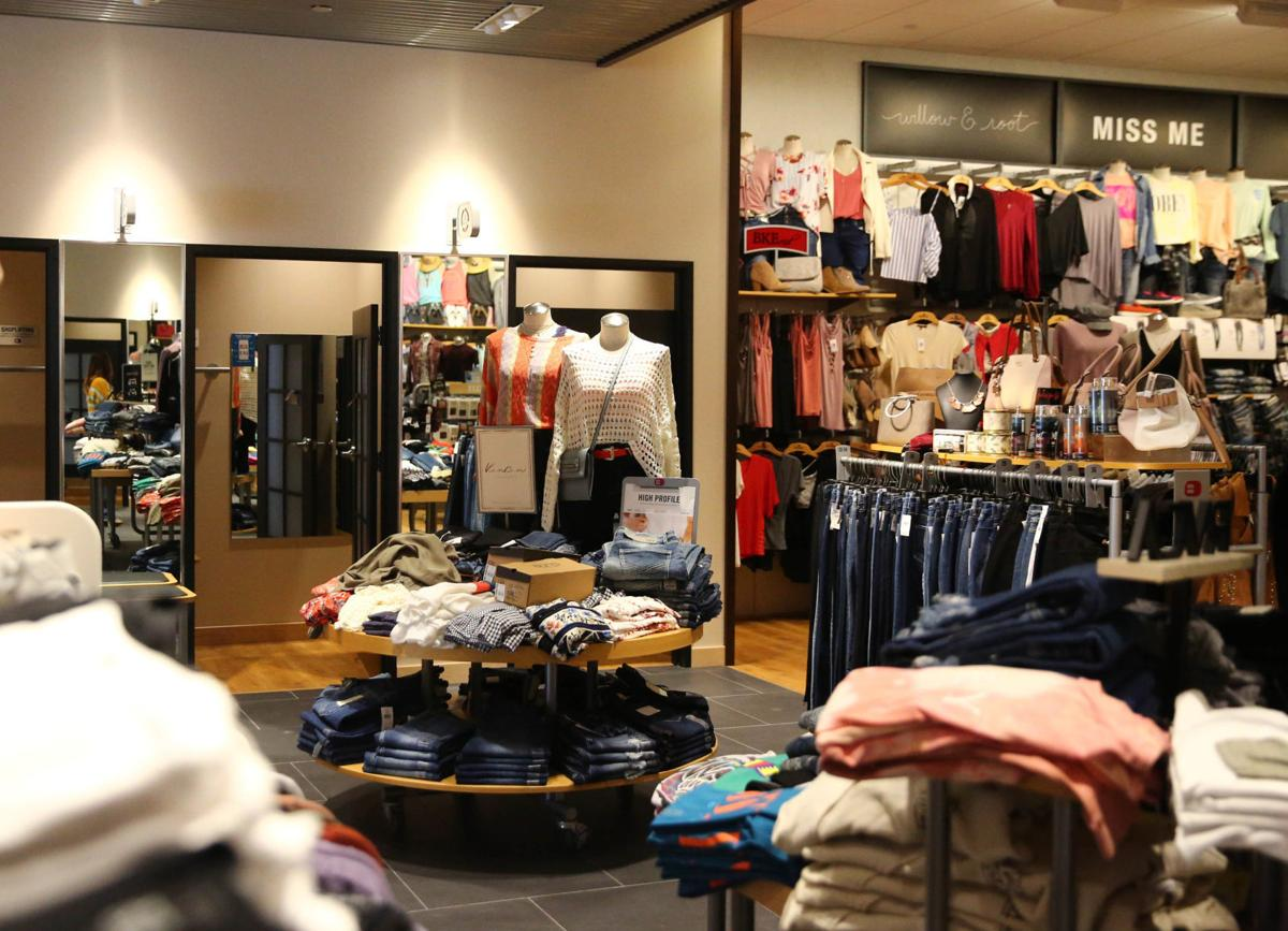 First Look: Clothing retailer reopens after moving in Mason