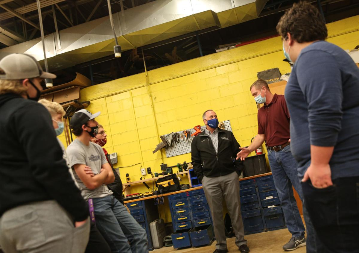 Clear Lake High School apprenticeship program - building trades