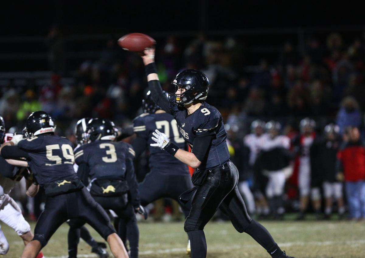 Clear Lake vs Williamsburg football - DeVries