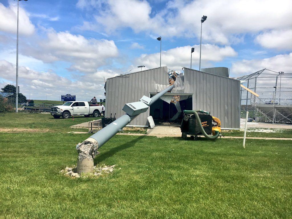 Light post fell on concession stand in Rockford