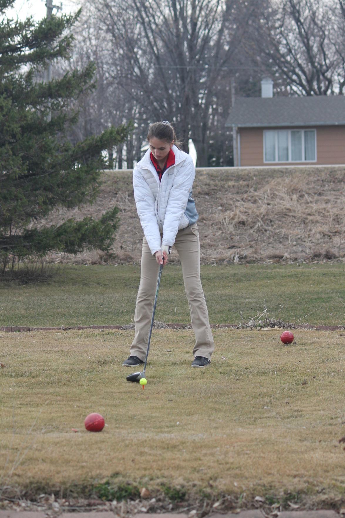 golf meet 4-5-19 010.JPG