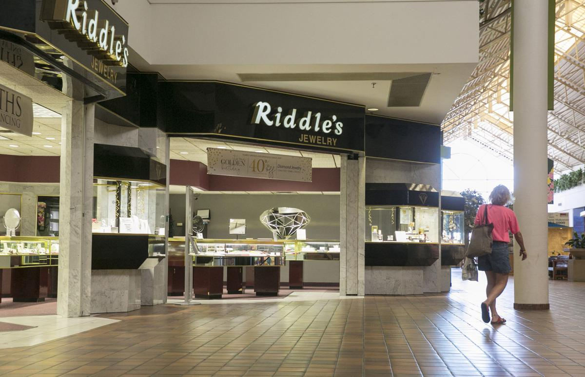 buckle leaving mason city mall riddle 39 s jewelry wants to
