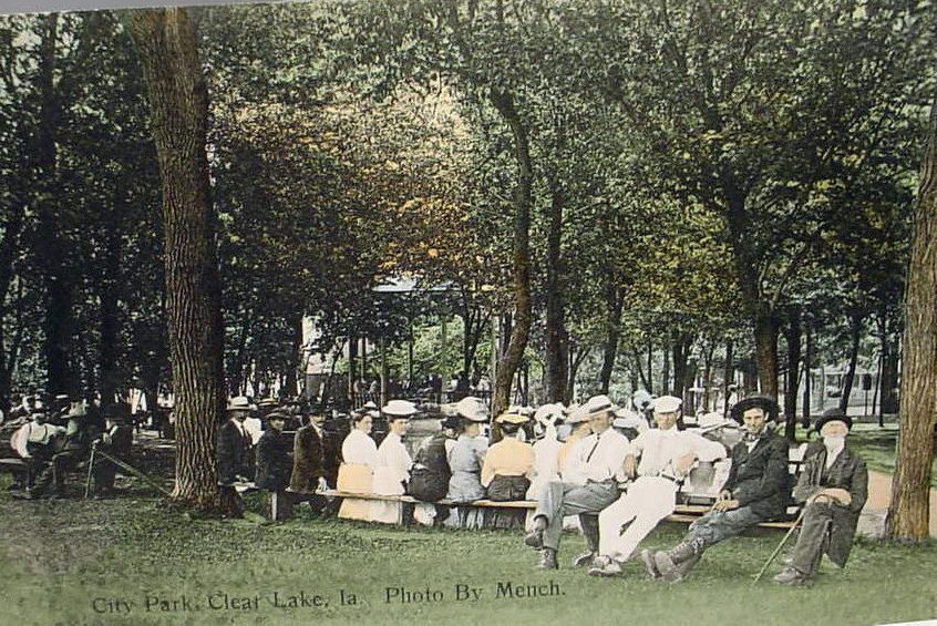 CLear Lake Central Park 1907.jpg