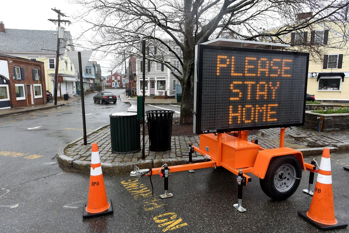 Town closes Bearskin Neck, beaches to all but residents