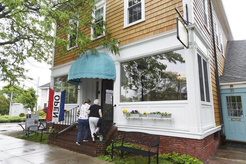Pleasant Street Tea closing