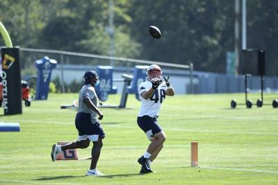 Quessenberry is Patriots' biggest underdog, fellow fullback Johnson can relate