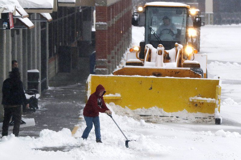 Schools close as US East braces for 'long, difficult storm'