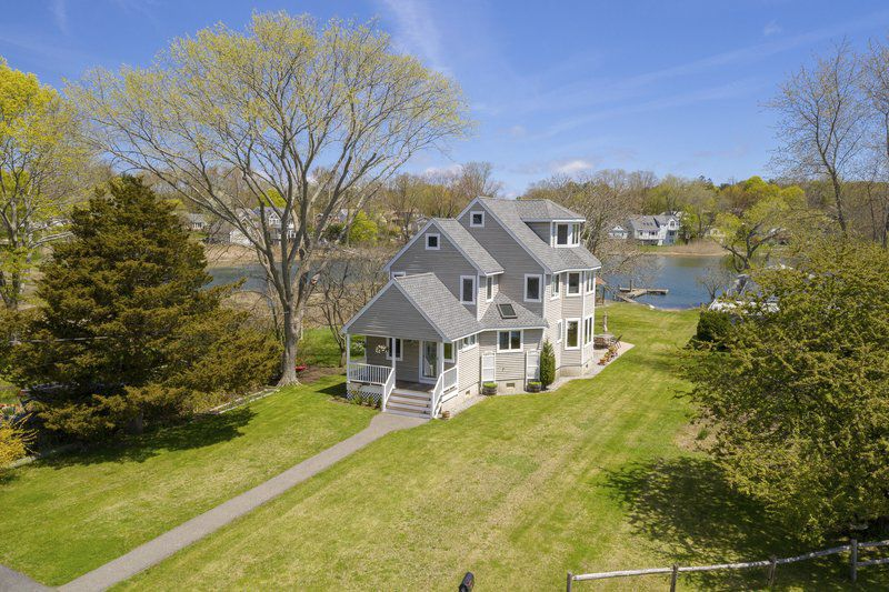 Relish your summer along the banks of the Danvers River