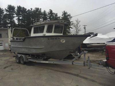 Coast Guardrescues two in powerless boat