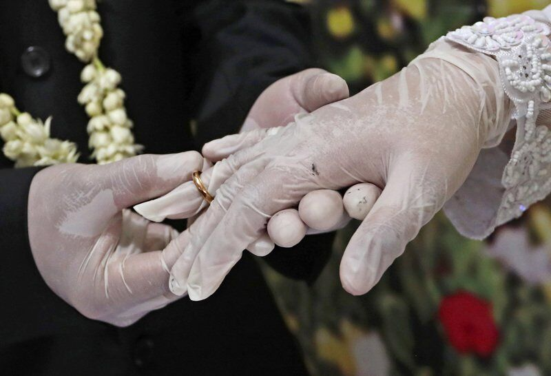 No masks, no distance: Pandemic wedding horrors for vendors