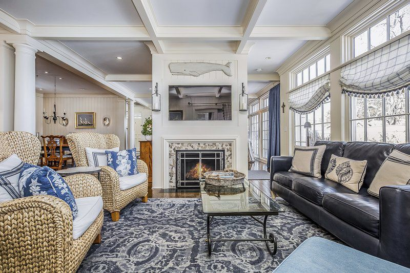 Stunning Georgian Colonial brings authenticity and modern day convenience
