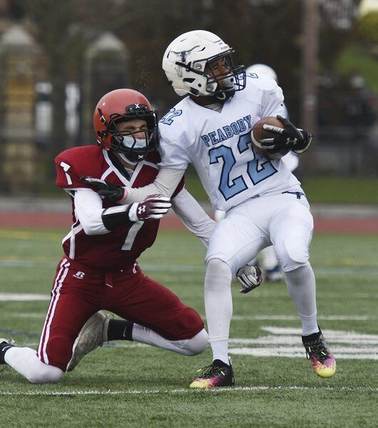 Peabody pounds Gloucester football in NEC crossover action, 41-0