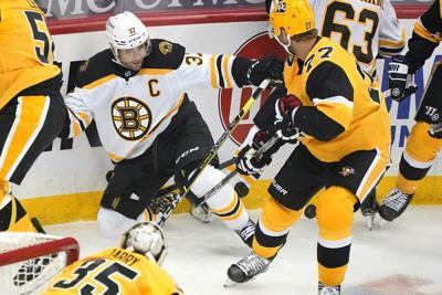 Jarry, Guentzel lead Penguins past Bruins, 1 -0