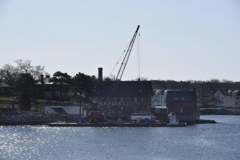 Docks going in at Ocean Alliance