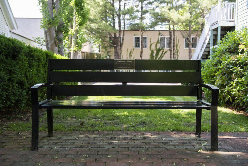 Bench to honor fixture in Manchesterpolitics