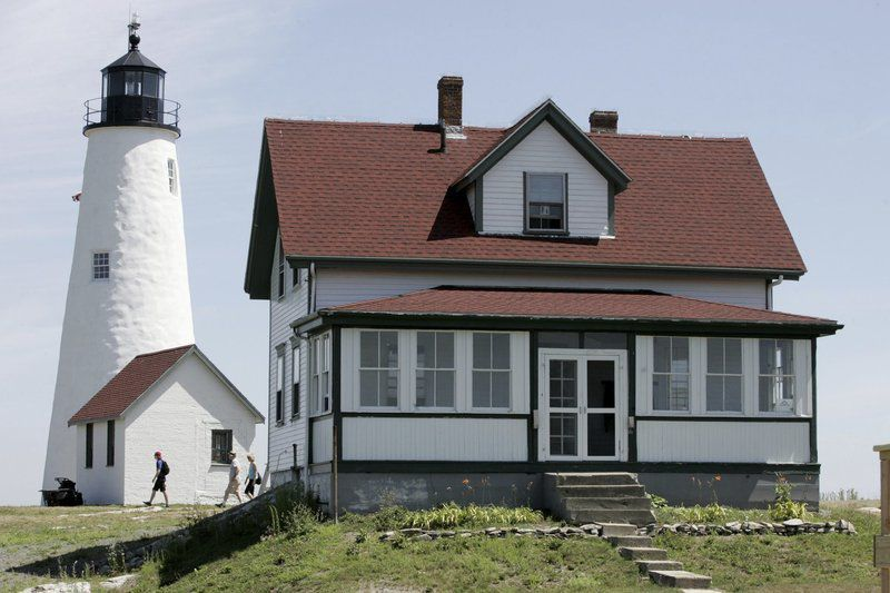 Grant helpsfund sustainability initiatives at Bakers Island Light