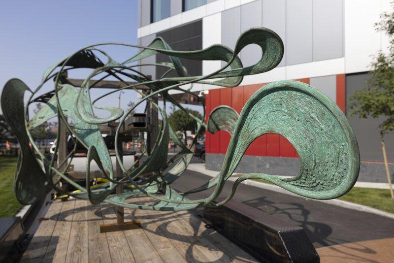 Essex sculptor's latest piece 'drops'in Seaport