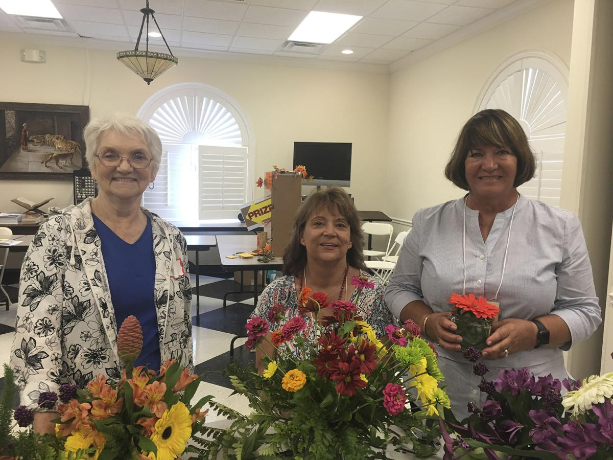 Live Oaks Garden Club Members Learn Floral Skills
