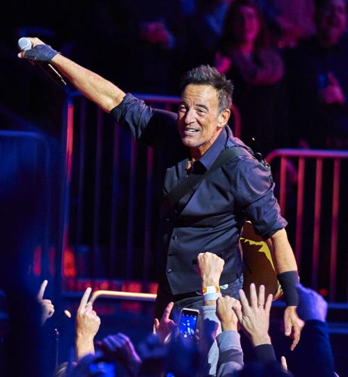 Bruce Springsteen performs with the E Street Band at Madison Square Garden, Wednesday, Jan. 27, 2016, in New York. (Photo by Robert Altman _Invision_AP).jpg