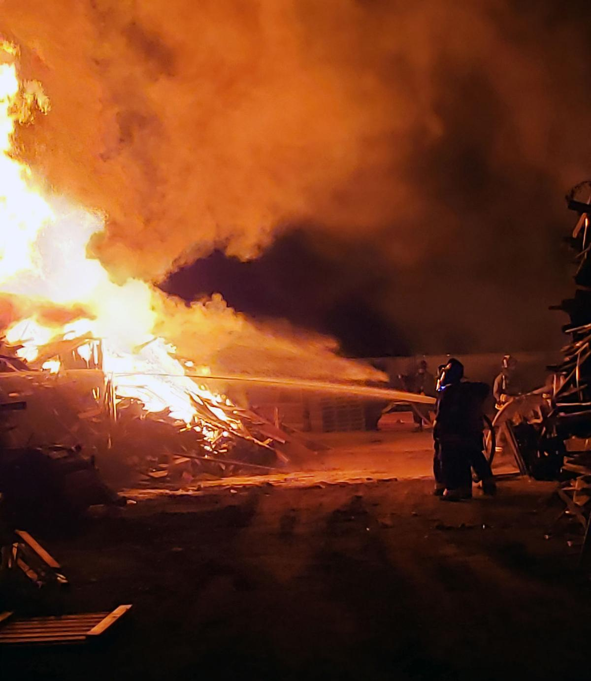 Late-night fire scorches fencing company | Tracy Press News