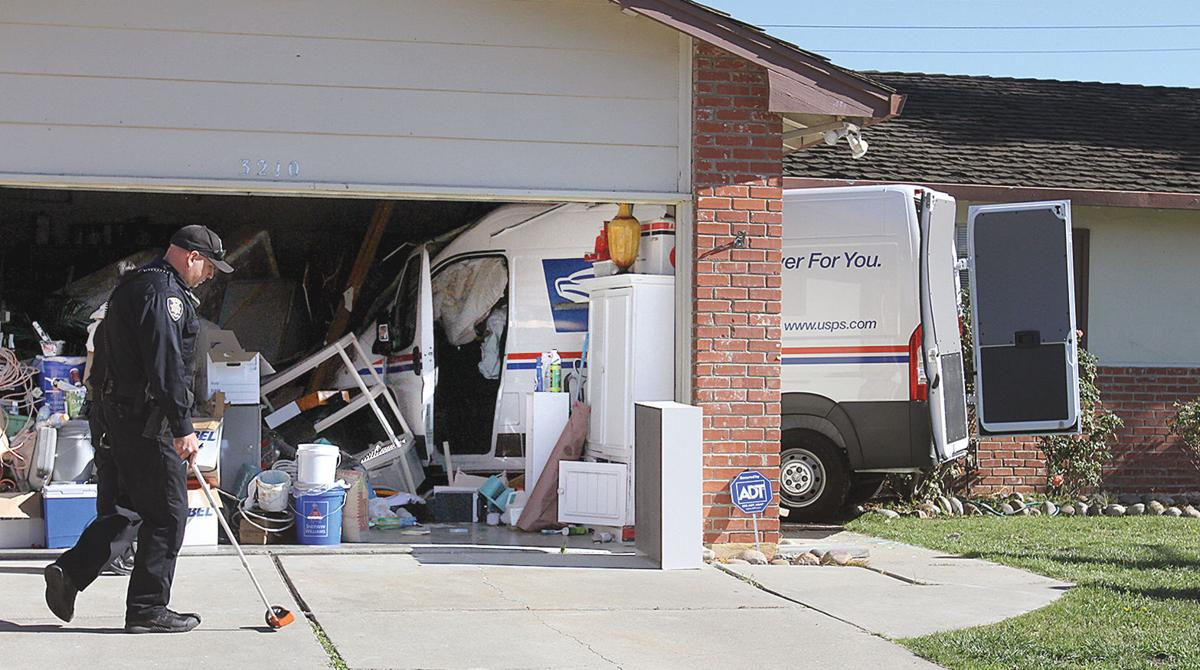 Thieves crash mail truck   Tracy Press News