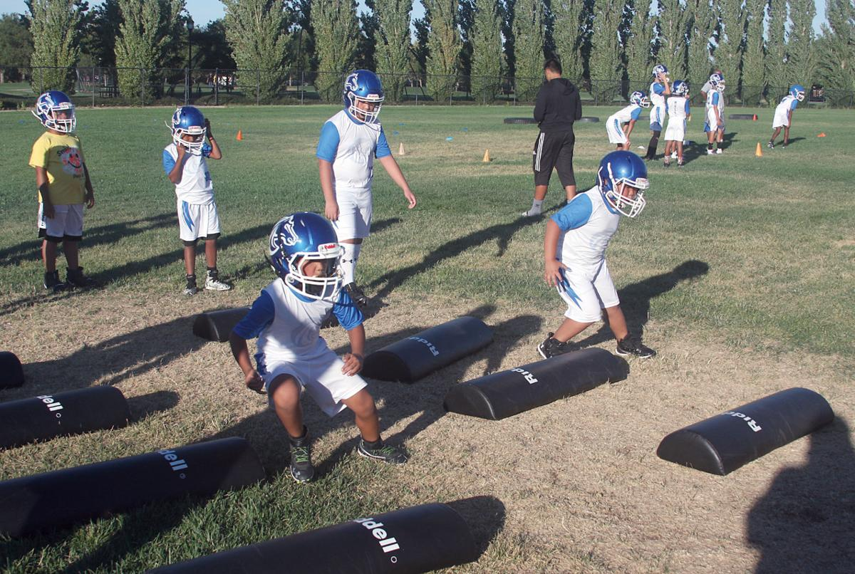 Junior Mustangs begin season