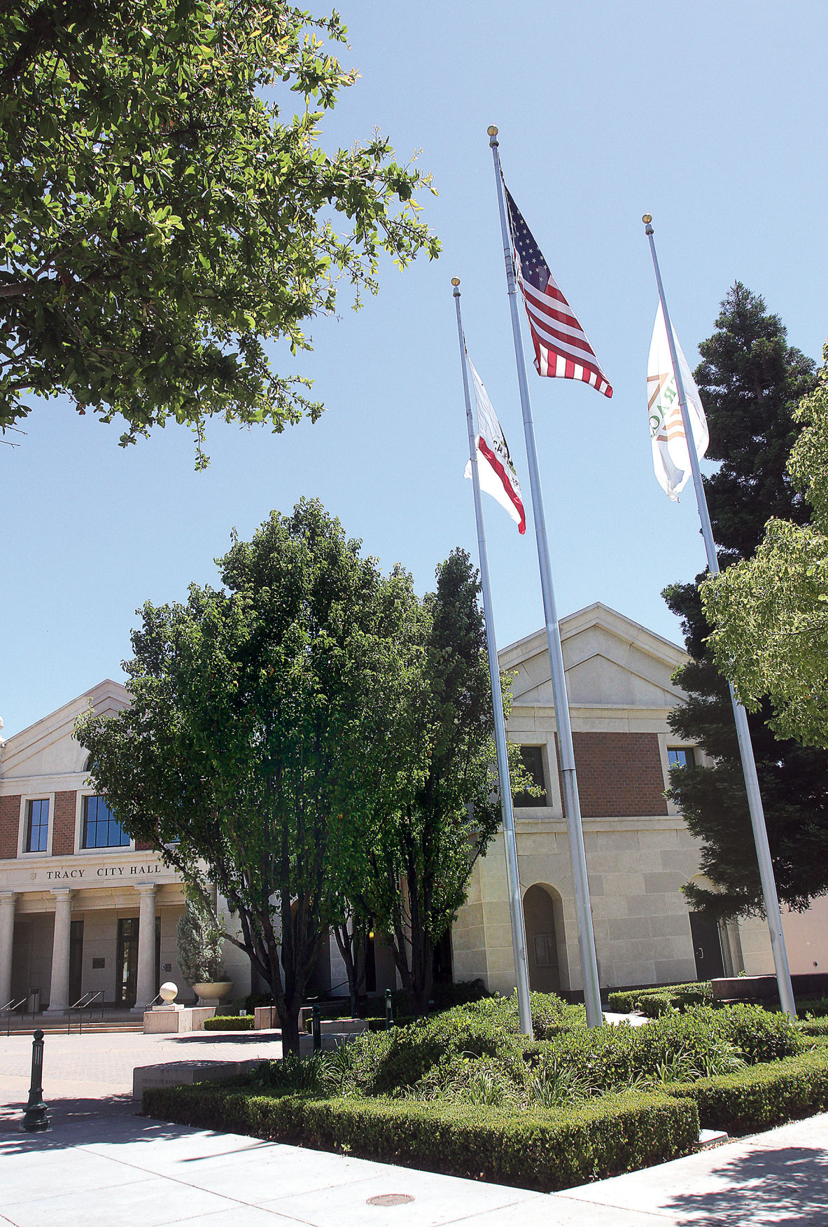 Council sets flag policy
