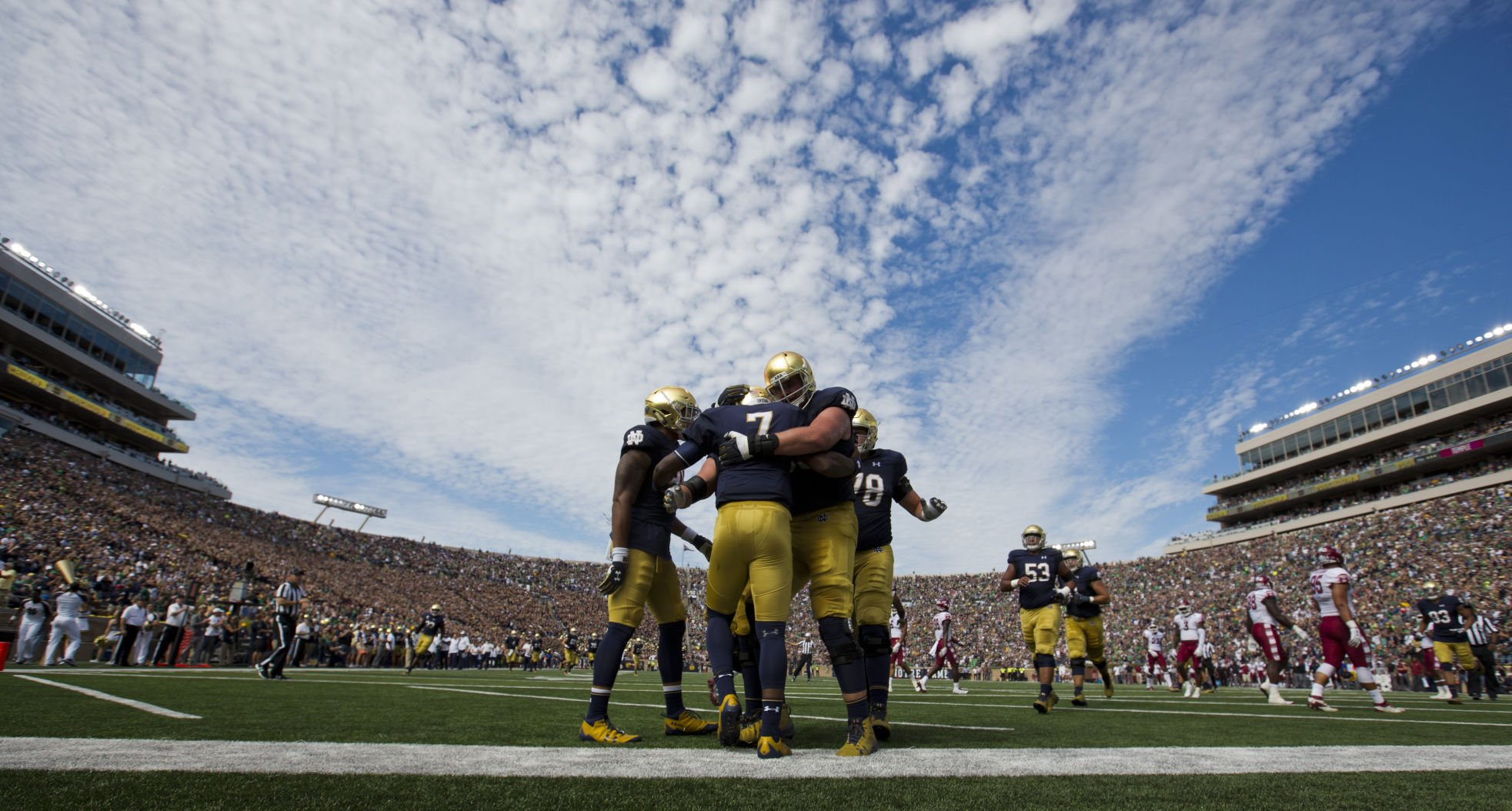 Notre Dame thumps Temple to open football season