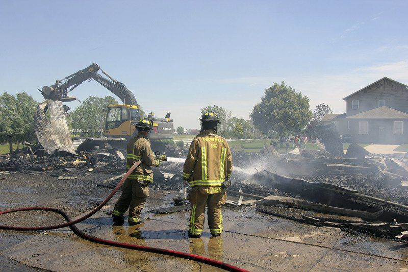 Shipshe barn destroyed by fire