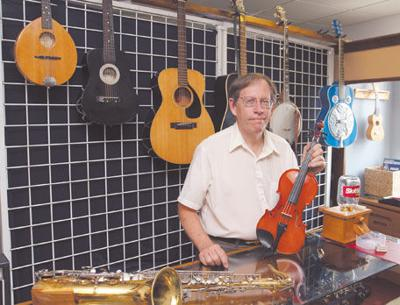 new store features second hand musical instruments news. Black Bedroom Furniture Sets. Home Design Ideas