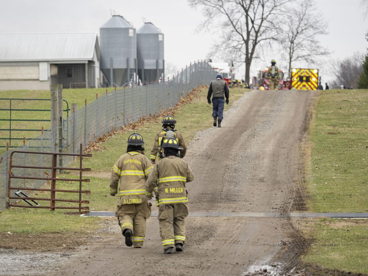 Firefighters respond to barn fire near Middlebury