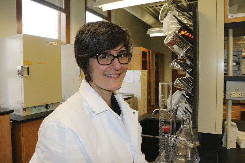 Mom Of Five Earns Degree In Biochemistry From Goshen College Local