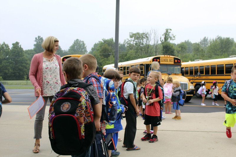 SLIDESHOW: Wa-Nee students go back to school