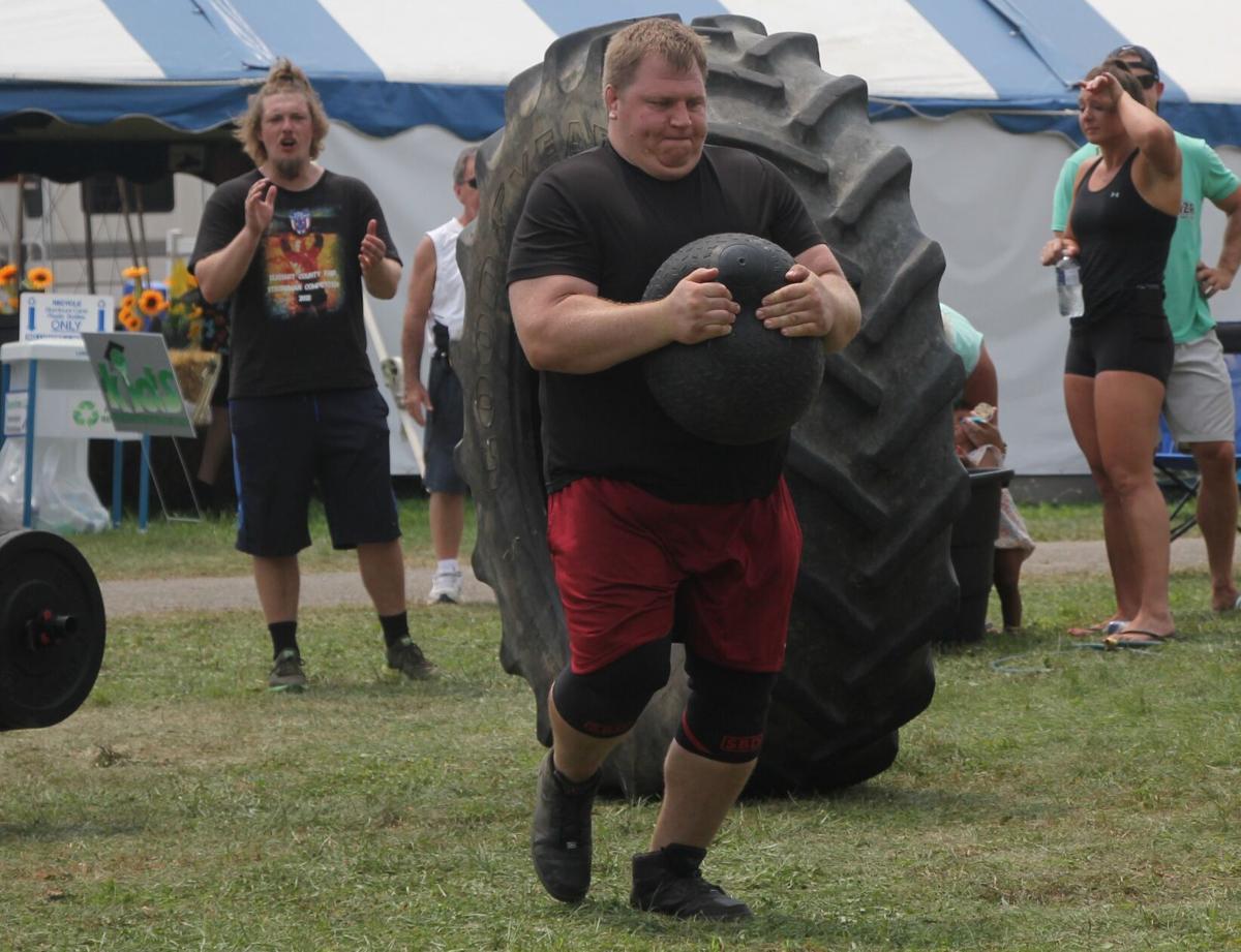 Derek Traversa 2021 strongman competition