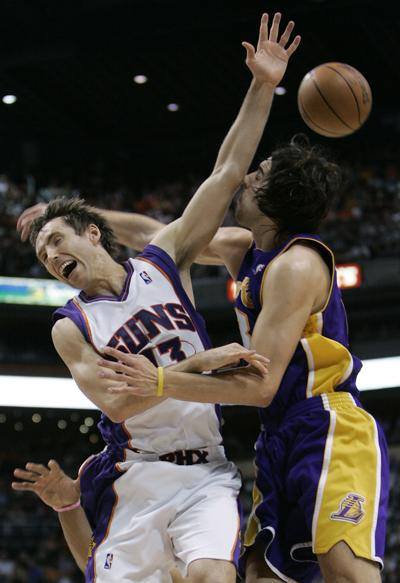 Bryant s 41 helps Lakers spoil O Neal s Phoenix debut 513f61ddc