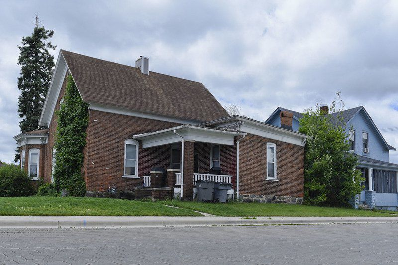 Advocates want 1860s homes in Goshen saved from demolition