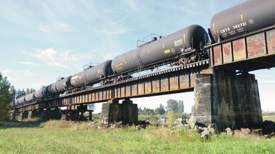MV resolution seeks 15 mph speed limit for oil trains