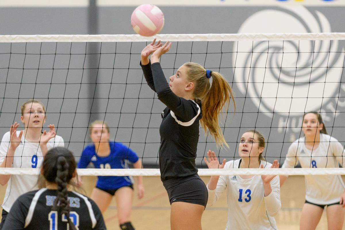 Justine Benson volleyball