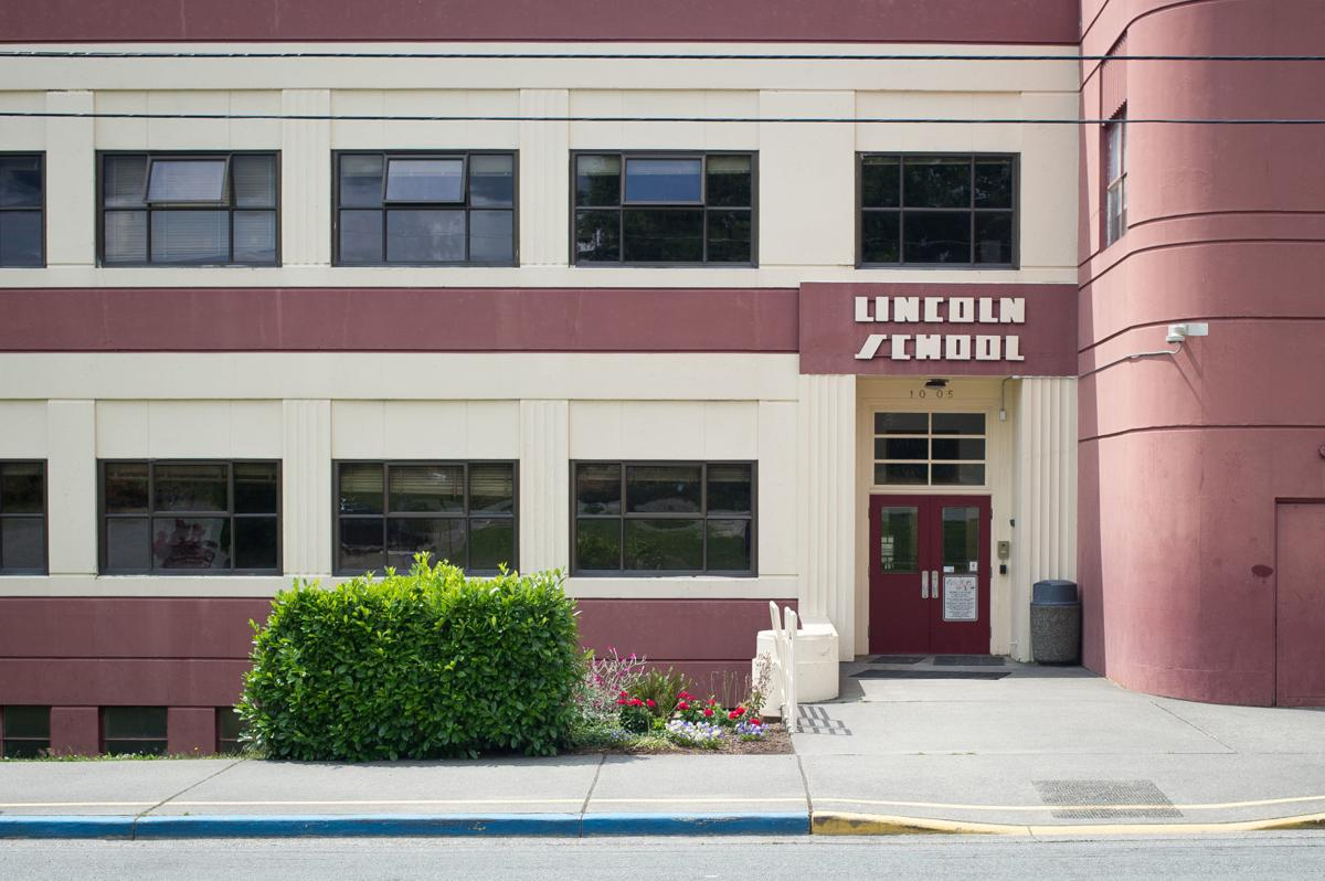 Lincoln Elementary School01