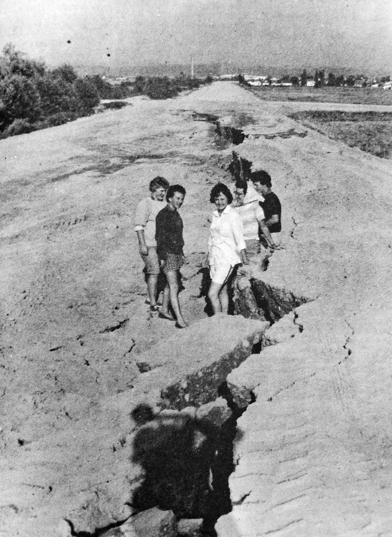 1961 7-20 Sinking Roadway.psd