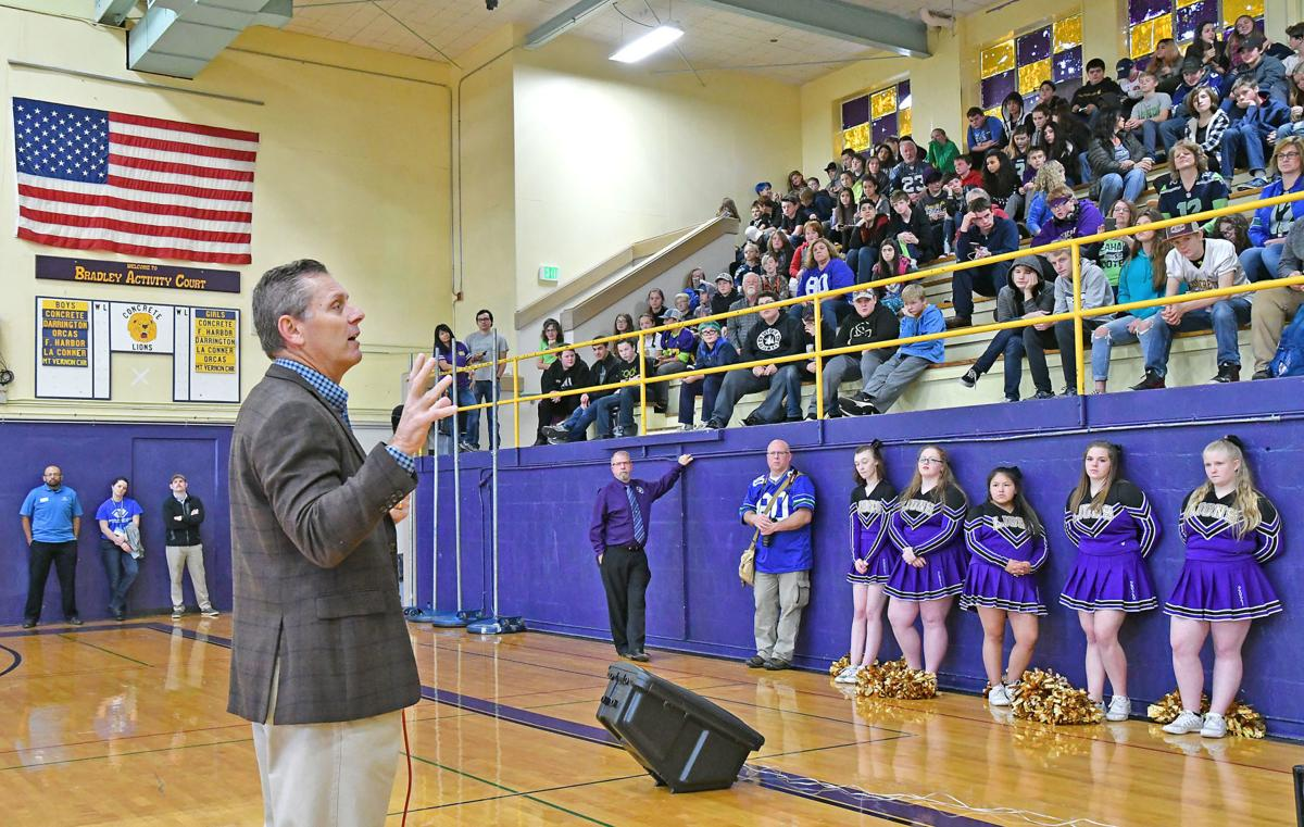 Former Seahawk Steve Largent greets Concrete students