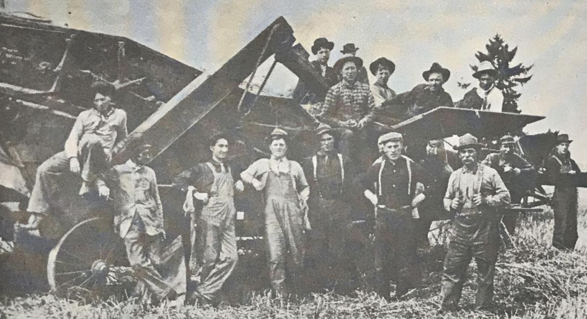 1900s Threshing machine.jpg