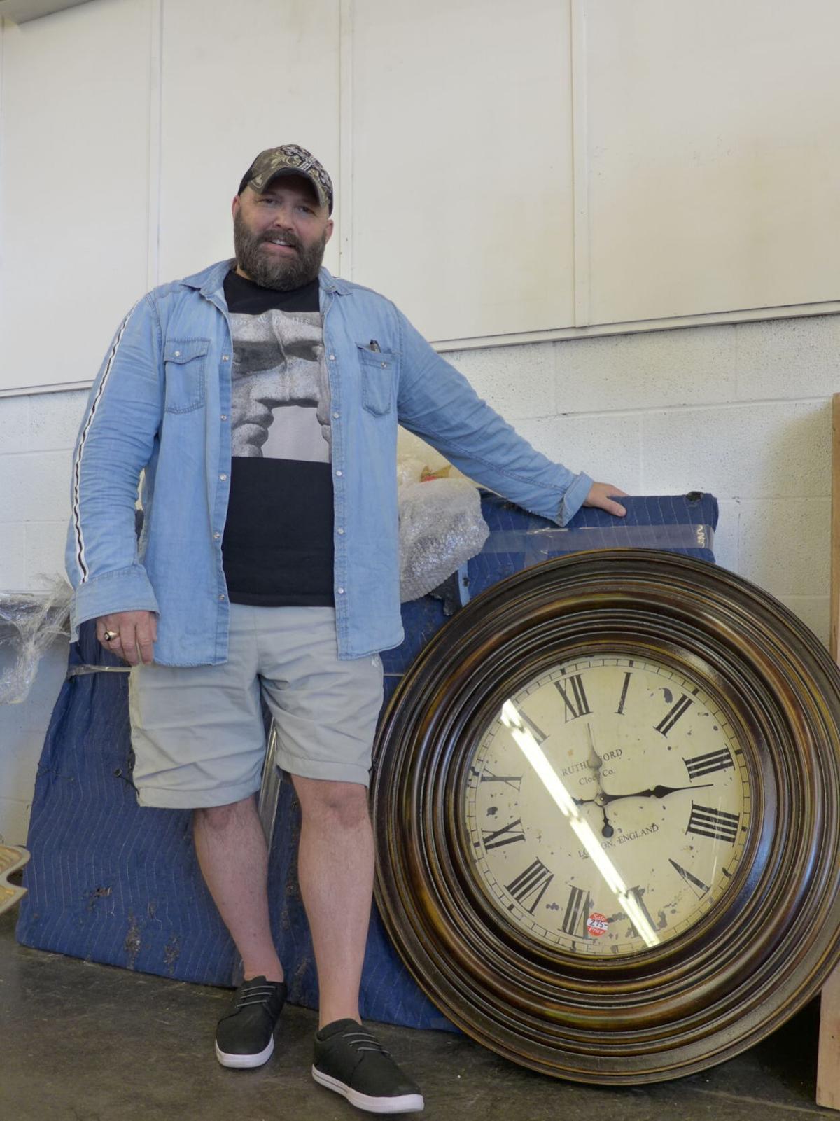 Mark Mandelin classic clock