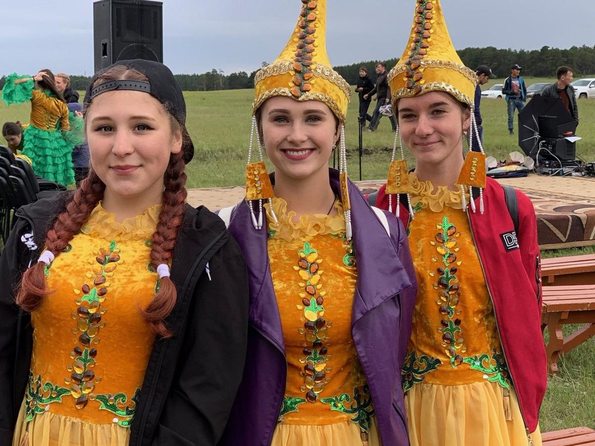 5 Traditional yet hip dancers