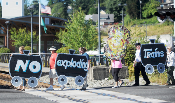 Skagit oil train protest continues