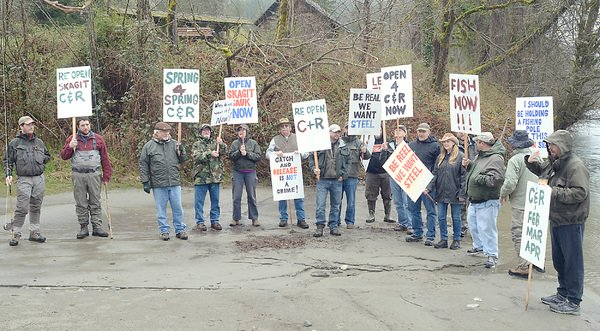Anglers take to Skagit River to protest fishing regulations