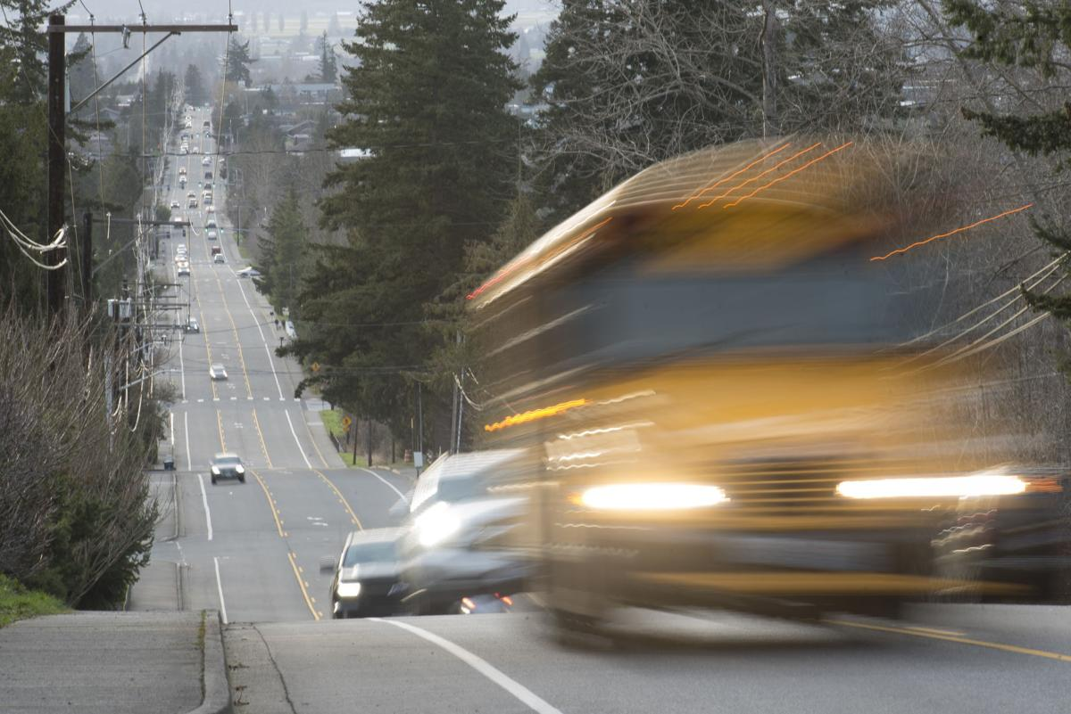 A day's commute - School bus in Mount Vernon