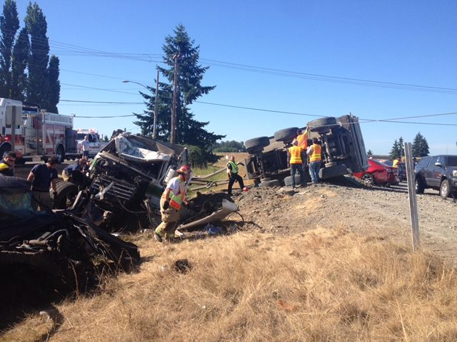 Fatal shooting, multiple-vehicle accident create chaos on I-5 in