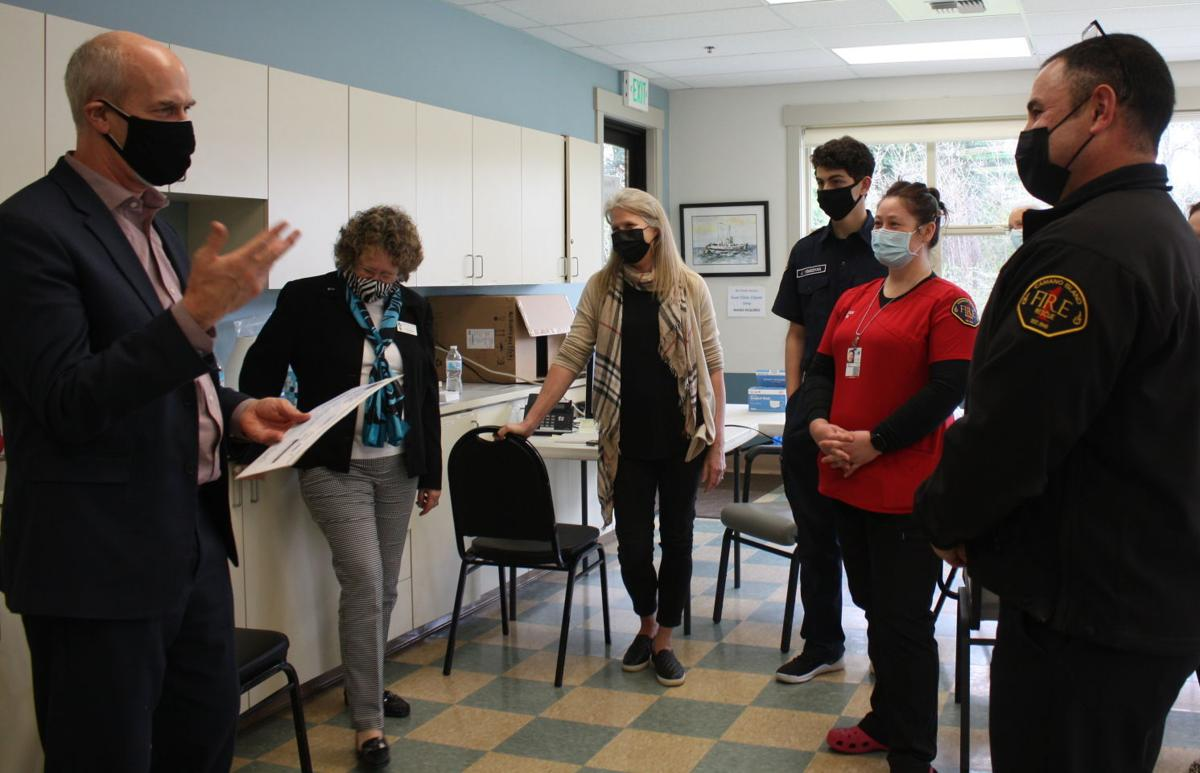 Larsen visits Camano vaccination site